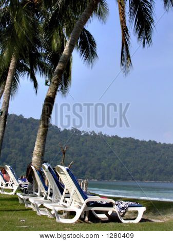 the western shore of pulau