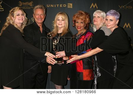 LOS ANGELES - APR 29:  Young and Restless Makeup team - Creative Emmy Winners at the 43rd Daytime Emmy Creative Awards at the Westin Bonaventure Hotel  on April 29, 2016 in Los Angeles, CA