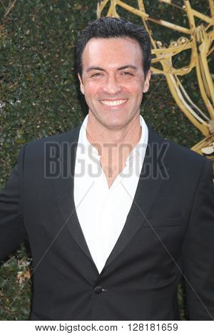 LOS ANGELES - APR 29:  Reid Scott at the 43rd Daytime Emmy Creative Awards Arrivals at the Westin Bonaventure Hotel  on April 29, 2016 in Los Angeles, CA