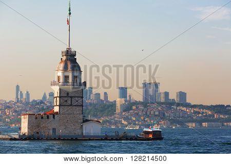 Istanbul view of the Maiden's Tower (Turkish: K?z Kulesi) Turkey