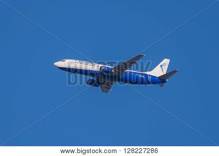 Flying Boeing 737 - 405 Aircraft, Blue Air Flight