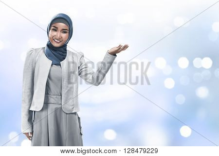 Muslim Business Woman Show Something