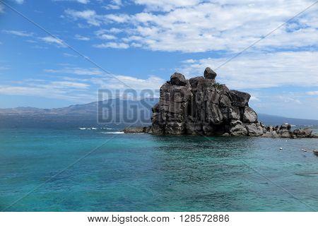 phililippines, asia, ocean horizon with the rock