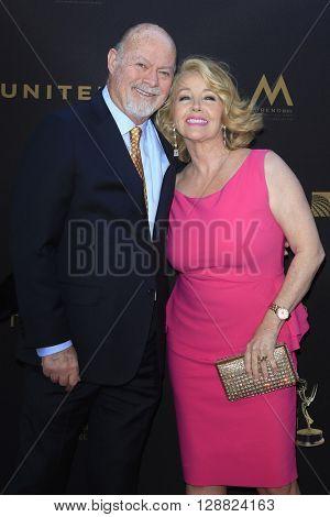 LOS ANGELES - APR 29: Edward Scott, Melody Thomas Scott at The 43rd Daytime Creative Arts Emmy Awards Gala at the Westin Bonaventure Hotel on April 29, 2016 in Los Angeles, California