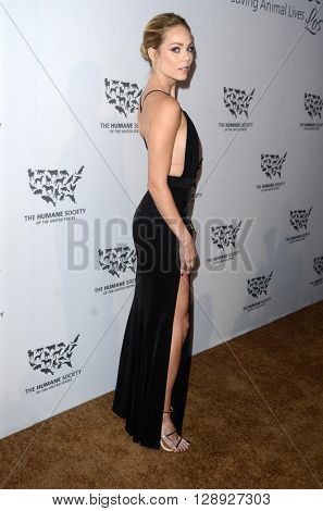 LOS ANGELES - MAY 7:  Laura Vandervoort at the Humane Society Of The United States LA Gala at the Paramount Studios on May 7, 2016 in Los Angeles, CA