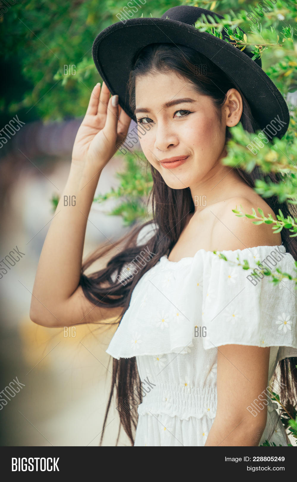 Asian Girl Wearing Image & Photo (Free Trial) | Bigstock