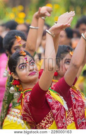 Kolkata , India - March 12, 2017: Young Girl Dancers , Dressed In Sari (traditional Indian Dress)dan