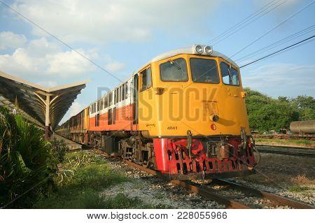 Ge Locomotive No.4041 For Eastern & Oriental Express Train.