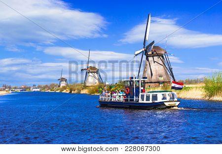 Travel in Netherlands . Traditional Holland - Windmills in Kindeedijk