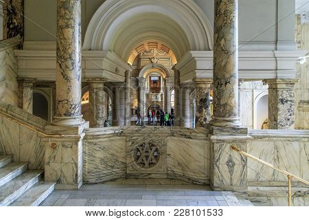 London, Great Britain - May 22, 2014: This Is The Interior Of The Victoria And Albert Museum On A Fl