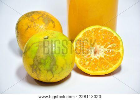 Orange Sliced Hemp, Useful To The Body, Eat Oranges To Nourish And Health.