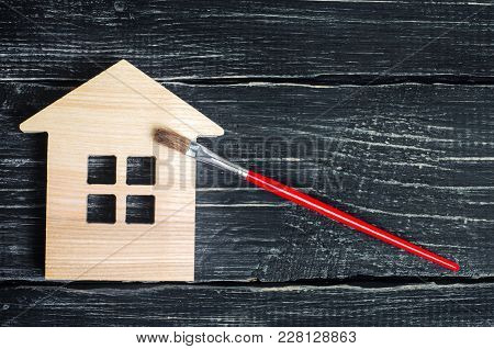 Painting The House, Repairing , Painting The Facade Of The Building, Trim Work On A House, Hobby, Fa