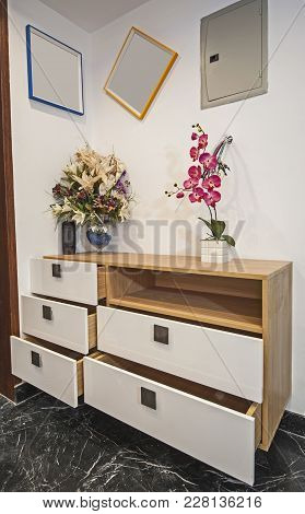 Dressing Table Chest Of Drawers In Apartment Interior Design