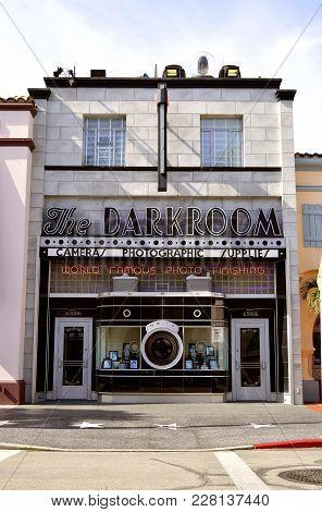 Universal Studios Resort, Orlando, Florida, Usa - October 25, 2016: The Darkroom Shop In The Univers