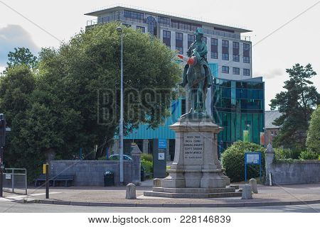 Exeter, Devon, England, 23 July 2016: Exeter College.  On The Horses Head (on The Monument) Is Put O