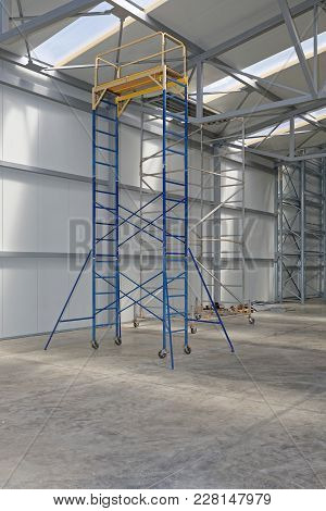 Movable Scaffold Platform Tower In Distribution Warehouse