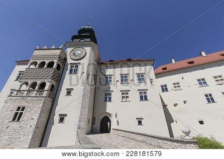 14th Century Defense Castle Pieskowa Skala , Fortified Entrance, Near Krakow, Poland. Located In Ojc