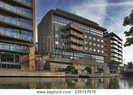 Scenic Landscape Of The Urban Regent's Canal In London,