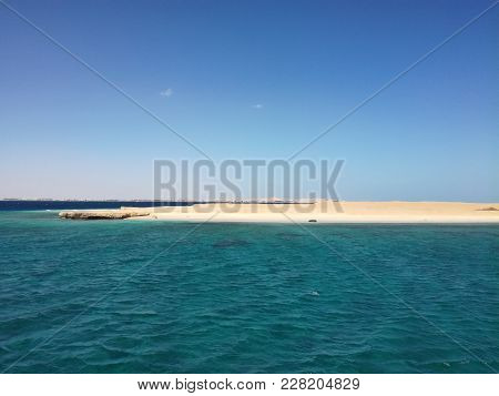 Foto Of  Island And Water In Red Sea