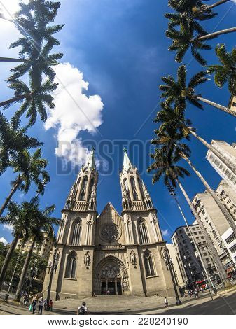 Sao Paulo, Brazil, February 22, 2018. People Walking In Se Square And Facade Of Se Metropolitan Cath
