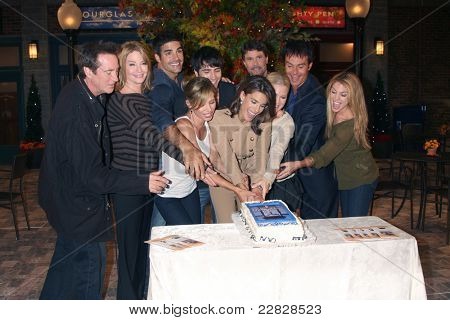 LOS ANGELES - AUG 10:  Hogestyn, Hall, Gering, Brown, SanMartin, Alfonso, Reeves, Reckell, muldoon, Mansi at the Horton Square Press Junket at the DOOL Set - NBC on August 10, 2011 in Burbank, CA