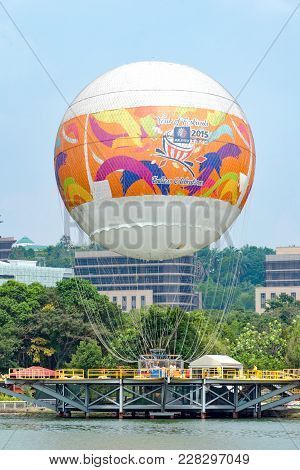 Attraction Flight In A Hot Air Balloon Over The City From Skyrides Festivals Park Putrajaya. Enterta