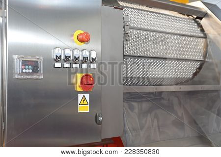 Mechanical Fruit Calibrating And Sorting Machine Factory