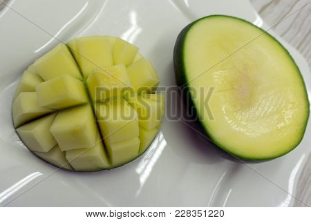 Nature Organic Pakistan Unripe Mango Pieces Im-2