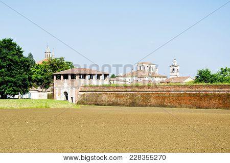 Hystorical City Of Sabbioneta - Italy - The Wall Of The Humanistic Ideal City Of Vespasiano Gonzaga