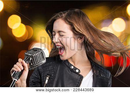 Young Sing Woman Singing Young Woman Studio Shot Disco Dancing