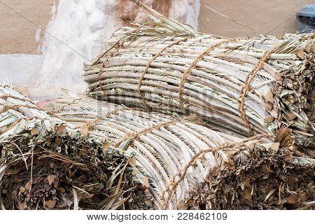 Dried Palm Fronds Using In Emirates And Arab Countries