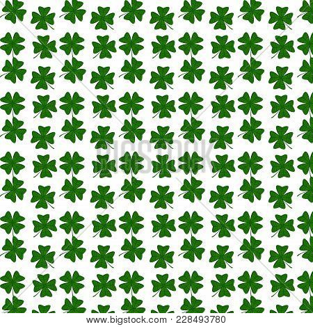 Vector Seamless Clover Pattern. Clover Pattern With Three Leaf. Chaotic Clover Pattern. Clover Patte
