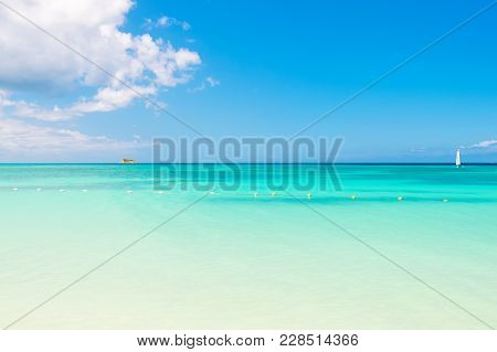 Seascape On Idyllic Sunny Day. Sea Or Ocean With Turquoise Water In Antigua. Summer Vacation In Cari