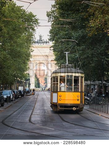 1930s-style Milan, Italy Tram In Front Of The Arco Della Pace Peace Arch - With Castello Sforzesco I