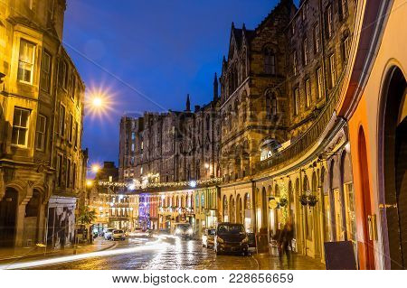 Street View Of The Historic Old Town, Edinburgh