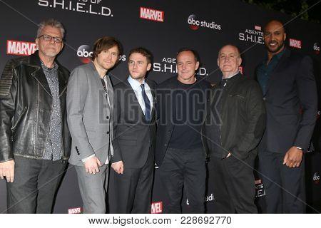 LOS ANGELES - FEB 24: Jeffrey Bell, Jed Whedon, Iain De Caestecker, Clark Gregg, Jeph Loeb, Henry Simmons at