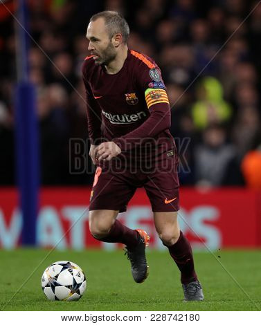 LONDON, ENGLAND - FEBRUARY 20: Andres Iniesta f Barcelona during the Champions League Round of 16 First Leg match between Chelsea FC and FC Barcelona at Stamford Bridge on February 20, 2018