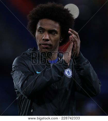 LONDON, ENGLAND - FEBRUARY 20:  Willian of Chelsea during the Champions League Round of 16 First Leg match between Chelsea FC and FC Barcelona at Stamford Bridge on February 20, 2018 in London
