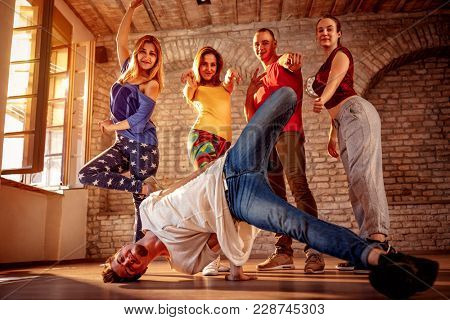 Passion dance team - Group of urban hip hop dancer