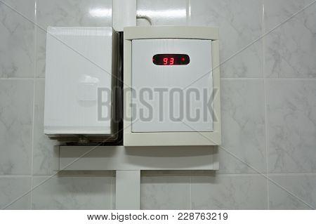 Temperature Sensor In The Sauna. The Temperature Is 93 Degrees.