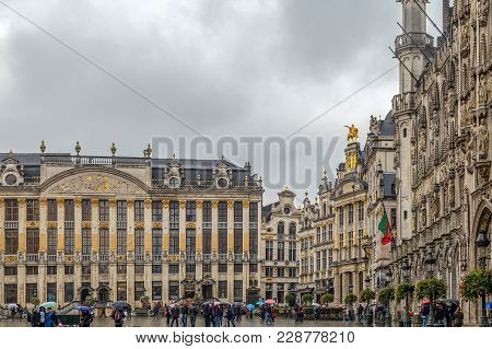Brussels, Belgium - October 15, 2015: Grand Place-grote Markt With The House Of Dukes Of Brabant, On