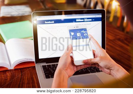 Bangkok. Thailand. February 6, 2018:a Woman Is Typing On Facebook Search Engine From A Laptop. Faceb