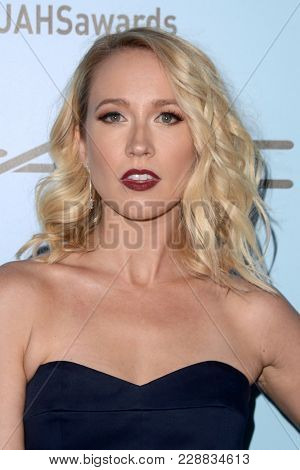 LOS ANGELES - FEB 24:  Anna Camp at the 2018 Make-Up Artists and Hair Stylists Awards at the Novo Theater on February 24, 2018 in Los Angeles, CA