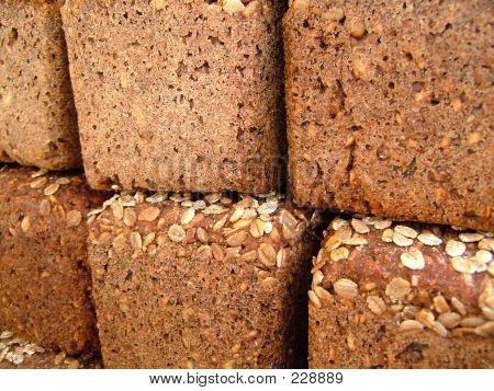 Wholemeal Bread With Nuts 2