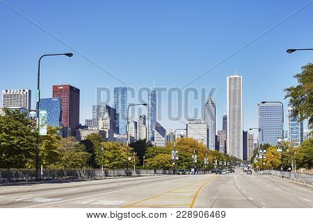 Chicago, Usa - October 14, 2016: Empty Street In Chicago Downtown With Cloudless Sky In Background.