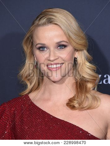 LOS ANGELES - FEB 26:  Reese Witherspoon arrives for the