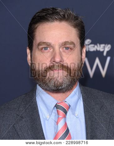 LOS ANGELES - FEB 26:  Zach Galifianakis arrives for the