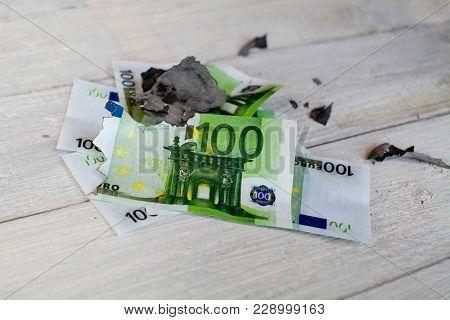 This Image - A Symbol (bankruptcy, Financial Crisis).