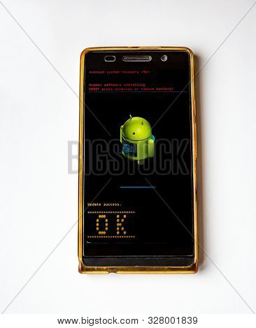 Android Smartphone Huawei Updating Of System