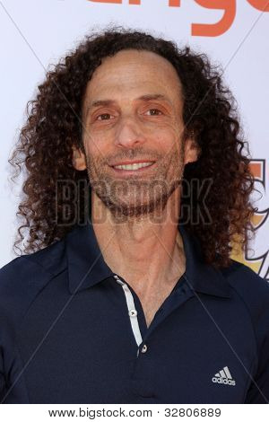 LOS ANGELES - MAY 7:  Kenny G arrives at the 5th Annual George Lopez Celebrity Golf Classic at Lakeside Golf Club on May 7, 2012 in Toluca Lake, CA